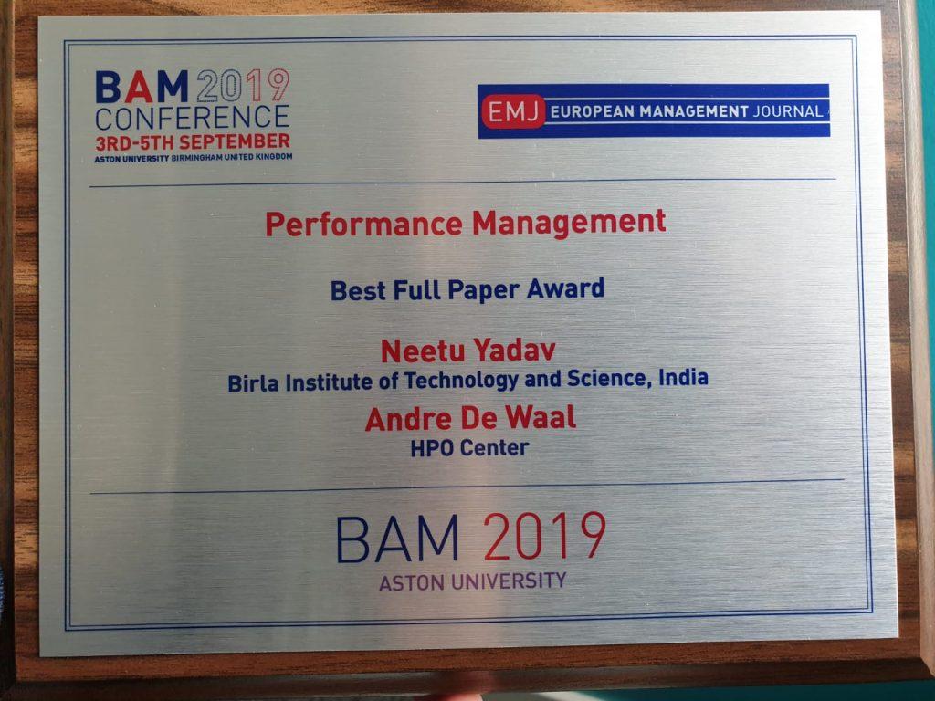 Best full paper Award for the Performance Management track